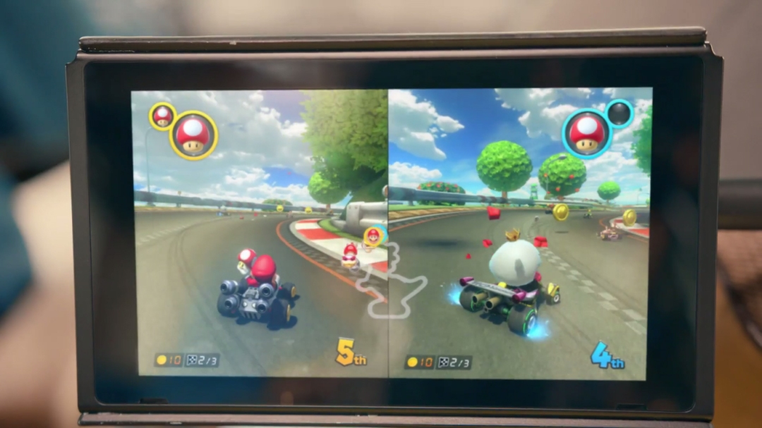A première vue on pourrait penser qu'il s'agit de MK8, sauf que King Boo et les doubles objets ne sont pas sur l'opus Wii U